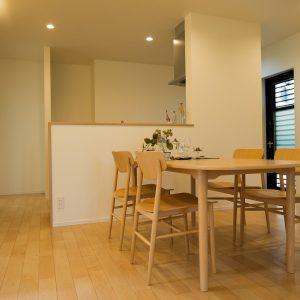 室内内観1 高知県土佐市A様邸注文住宅施工実績 ガレージのあるL型の家