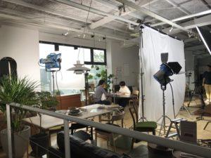SAIのCM撮影の打合せ風景画像|高知市注文住宅SAI